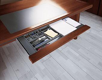 Schreibtisch Gerade 180 x 90 cm - Großer Überstand - Büro Design ...